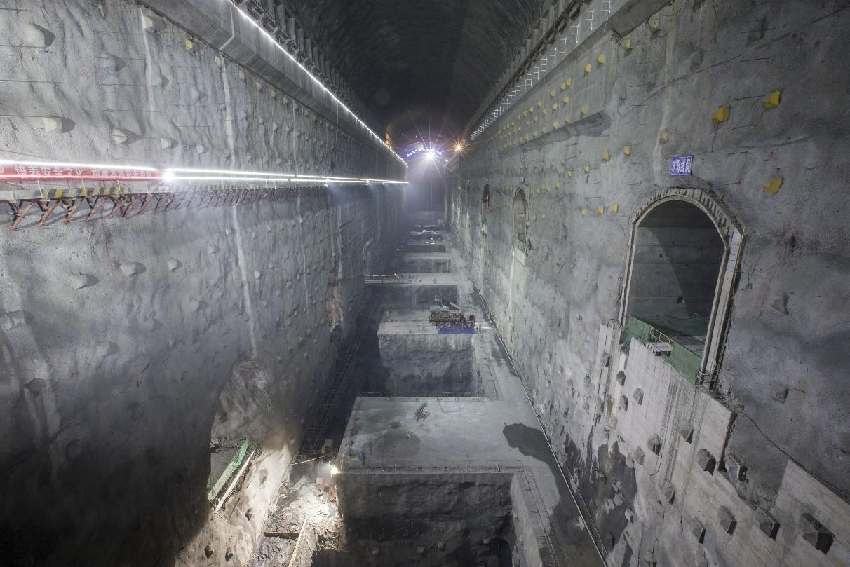 白鹤滩水电站左岸地下厂房开浇混凝土